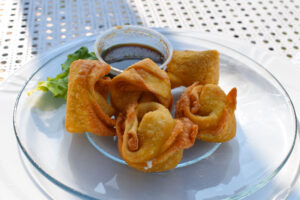 The crabmeat rangoons ($6.45).