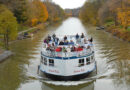 Colonial Belle, based in Pittsford, navigating part of the Erie Canal.