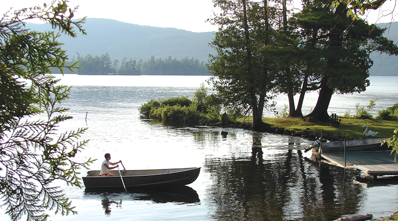 Central Adirondack Trail: In addition to spectacular scenery, it offers a variety of outdoor activities such as camping, skiing, picnicking and canoeing.