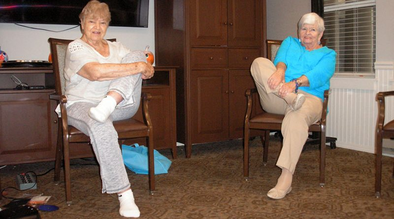 """Magda (Mindy) Rosenberg and Gene Martzloff, who's been coming to Rosenberg's class since it began. """"I'm getting a lot more flexible,"""" Martzloff, 84, says."""